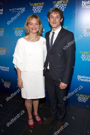 Sarah Woodward (Siobhan) and Graham Butler (Christopher Boone)