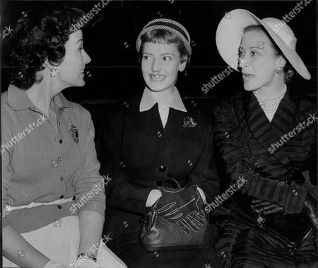 Actresses Judy Campbell Jean Carson And Vanessa Lee (l-r) At Rehearsals For 'night Of 100 Stars' In 1954.