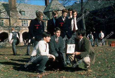 FILM STILLS OF 'DEAD POET'S SOCIETY' WITH 1989, JOSH CHARLES, GRASS, GROUP, GALE HANSEN, ETHAN HAWKE, DYLAN KUSSMAN, ROBERT SEAN LEONARD, PREP SCHOOL, ALLELON RUGGIERO, JAMES WATERSTON, PETER WEIR, ROBIN WILLIAMS IN 1989