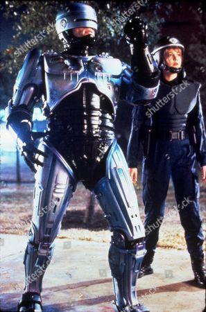 FILM STILLS OF 'ROBOCOP 2' WITH 1990, NANCY ALLEN, IRVIN KERSHNER, ROBOTS-ANDROIDS-CYBORGS-CLONES, SCI-FI, PETER WELLER IN 1990