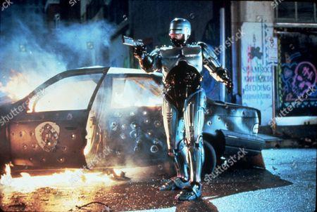 FILM STILLS OF 'ROBOCOP 2' WITH 1990, IRVIN KERSHNER, ROBOTS-ANDROIDS-CYBORGS-CLONES, SCI-FI, PETER WELLER IN 1990
