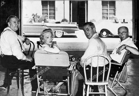 FILM STILLS OF 'WITNESS FOR THE PROSECUTION' WITH 1958, BEHIND THE SCENES, MARLENE DIETRICH, CHARLES LAUGHTON, TYRONE POWER, SITTING, BILLY WILDER IN 1958