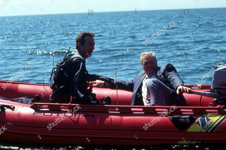 FILM STILLS OF 'F/X 2' WITH 1991, BRYAN BROWN, BRIAN DENNEHY, RICHARD FRANKLIN IN 1991