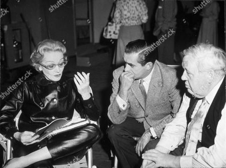 FILM STILLS OF 'WITNESS FOR THE PROSECUTION' WITH 1958, BEHIND THE SCENES, MARLENE DIETRICH, CHARLES LAUGHTON, TYRONE POWER, REHEARSING, BILLY WILDER IN 1958