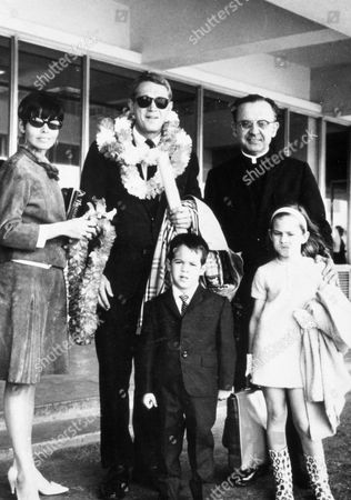 FILM STILLS OF 1966, NEILE ADAMS-McQUEEN, AIRPORT, ENSEMBLE, FAMILIES (REAL), LOS ANGELES, CHAD McQUEEN, STEVE McQUEEN, TERRI McQUEEN IN 1966