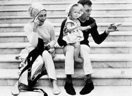 FILM STILLS OF 1966, ALEXANDRA CURTIS, TONY CURTIS, FAMILIES (REAL), CHRISTINE KAUFMANN IN 1966