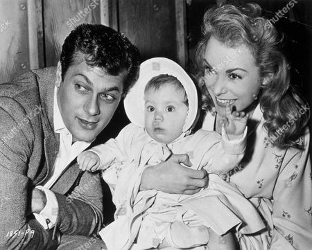 FILM STILLS OF 1957, KELLY LEE CURTIS, TONY CURTIS, FAMILIES (REAL), JANET LEIGH IN 1957