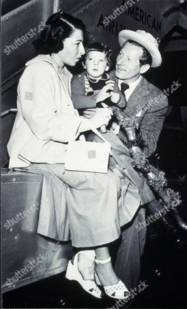 FILM STILLS OF 1949, FAMILIES (REAL), SYLVIA FINE-KAYE, DANNY KAYE, DENA KAYE, TRAVELS IN 1949