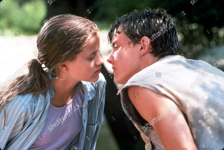 FILM STILLS OF 'MAN IN THE MOON' WITH 1991, JASON LONDON, ROBERT MULLIGAN, ROMANCE, REESE WITHERSPOON IN 1991