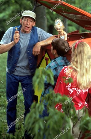 FILM STILLS OF 'ERNEST SCARED STUPID' WITH 1991, JOHN CHERRY, JIM VARNEY IN 1991