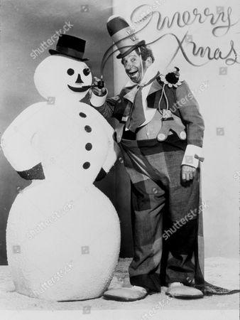 FILM STILLS OF 1962, ACCESSORIES, CHRISTMAS, JIMMY DURANTE, SNOW MAN IN 1962