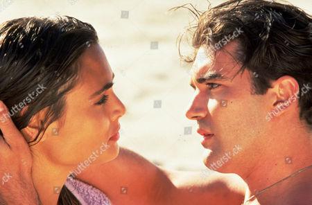 FILM STILLS OF 'MAMBO KINGS' WITH 1992, ANTONIO BANDERAS, ARNE GLIMCHER, TALISA SOTO IN 1992
