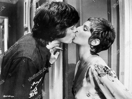 'FOR PETE'S SAKE' - Michael Sarrazin and Barbra Streisand 1974