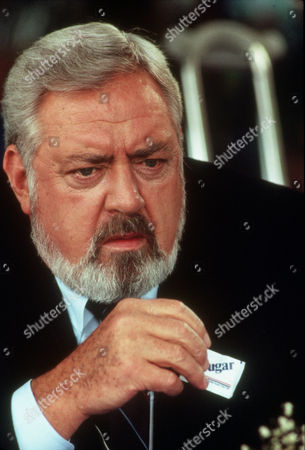 FILM STILLS OF 'PERRY MASON: THE CASE OF THE MURDERED MADAM' WITH 1992, RAYMOND BURR, CHARACTER, PERRY MASON IN 1992