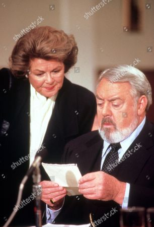 FILM STILLS OF 'PERRY MASON: THE CASE OF THE MUSICAL MURDER' WITH 1992, RAYMOND BURR, CHARACTER, DELLA STREET, BARBARA HALE, PERRY MASON IN 1992