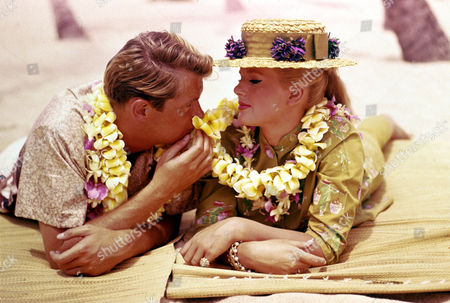 FILM STILLS OF 'HAWAIIAN EYE - TV' WITH 1962, TROY DONAHUE, CONNIE STEVENS IN 1962
