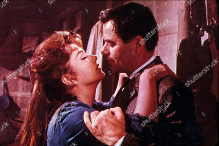 FILM STILLS OF 'CIMARRON' WITH 1960, ANNE BAXTER, GLENN FORD, ANTHONY MANN IN 1960