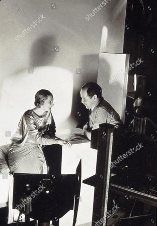 FILM STILLS OF 1932, CLARENCE SINCLAIR BULL, CULVER CITY, CA. MGM STUDIOS, KAREN MORLEY, PORTRAIT STUDIO IN 1932