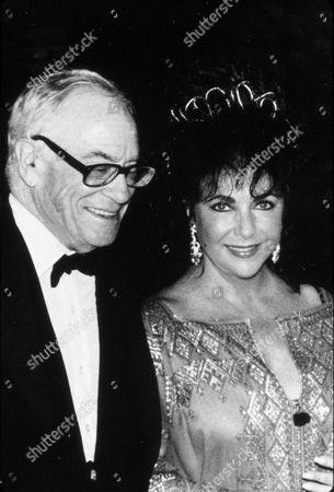 FILM STILLS OF 1991, MALCOLM FORBES, ELIZABETH TAYLOR, HUSBAND, COUPLES-MARRIED, LIZ TAYLOR IN 1991
