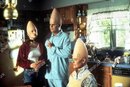 FILM STILLS OF 'CONEHEADS' WITH 1993, DAN AYKROYD, STEVE BARRON, MICHELLE BURKE, JANE CURTAIN IN 1993