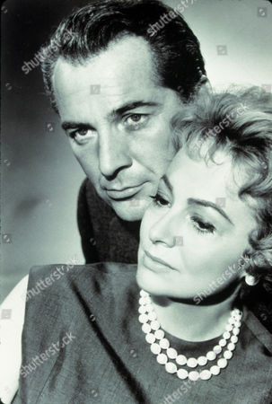 FILM STILLS OF 'LIGHT IN THE PIAZZA' WITH 1962, ROSSANO BRAZZI, OLIVIA DeHAVILLAND, GUY GREEN IN 1962
