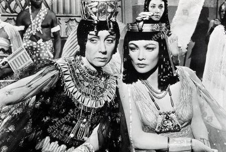 FILM STILLS OF 'EGYPTIAN' WITH 1954, MICHAEL CURTIZ, JUDITH EVELYN, GENE TIERNEY IN 1954