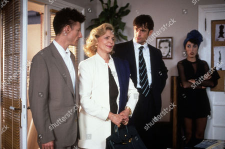 FILM STILLS OF 'PRET-A-PORTER aka READY TO WEAR' WITH 1994, LAUREN BACALL, ROSSY DePALMA, RUPERT EVERETT, LYLE LOVETT, DOORWAY, ARRIVING, ENTRACE, CENTRE OF ATTENTION, CENTER OF ATTENTION, HAND ON HIP, VENETIAN BLINDS, ENSEMBLE IN 1994