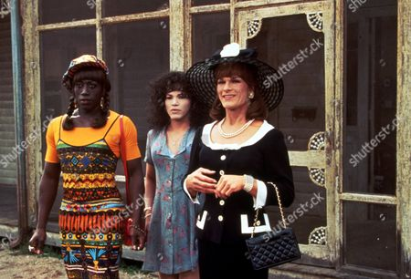 FILM STILLS OF 'TO WONG FOO, THANKS FOR EVERYTHING, JULIE NEWMAR' WITH 1995, CLOTHING, DRAG, BEEBAN KIDRON, JOHN LEGUIZAMO, WESLEY SNIPES, PATRICK SWAYZE IN 1995