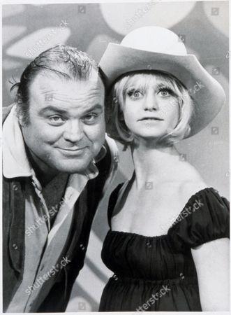 FILM STILLS OF 'LAUGH-IN, ROWAN & MARTIN'S - TV' WITH 1970, DAN BLOCKER, GOLDIE HAWN IN 1970