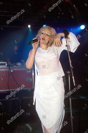 Editorial photo of READING FESTIVAL, BRITAIN - 2002