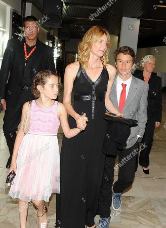 Laura Dern arrives with children Jaya Harper and Ellery Walker Harper