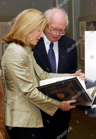 Caroline Kennedy Schlossberg and Sergei Khrushchev