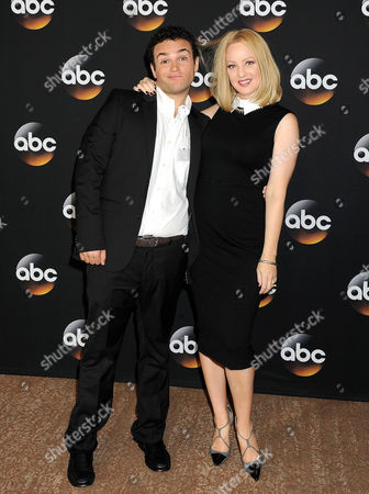 Troy Gentile and Wendi McLendon-Covey