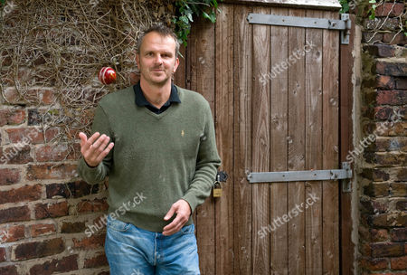 Dietmar Hamann Talks About The Upcoming Ashes Cricket Tournament.