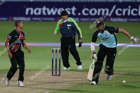 Surrey's Chris Tremlett and Somerset's Alfonso Thomas