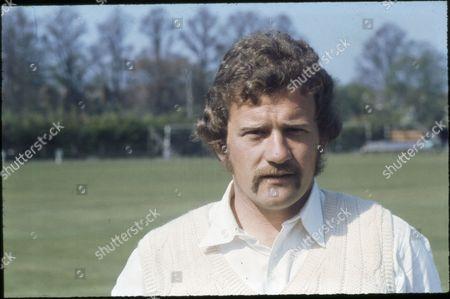 Geoff Ellis, Cricketer.