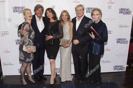 Christine Kavanagh (Cecily Cardew), Nigel Havers (Algernon Moncrieff), Cherie Lunghi (Gwendolen Fairfax), Rosalind Ayres (Miss Prism), Martin Jarvis (Jack Worthing) and Sian Phillips (Lady Bracknell)