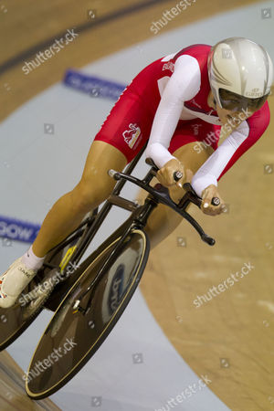Englands' Dani King failing to reach the top four during the qualifying for the Women's 3000m Individual Pursuit