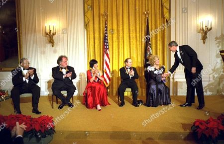 Editorial picture of KENNEDY CENTRE HONOREES AT THE WHITE HOUSE, WASHINGTON, AMERICA - 08 DEC 2002