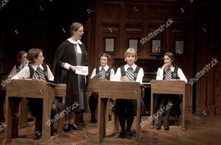 L-R: Emma Stansfield, Katherine Heath, Gailie Morrison, Anna Francolini, Hannah Yelland and Jane Mark