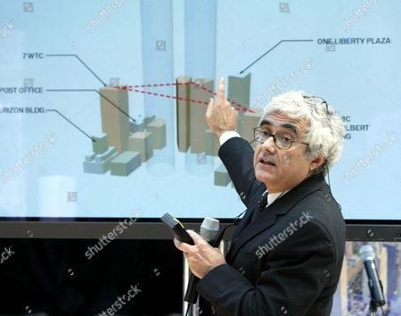 Rafael Vinoly from THINK making his presentation for the future World Trade Center site