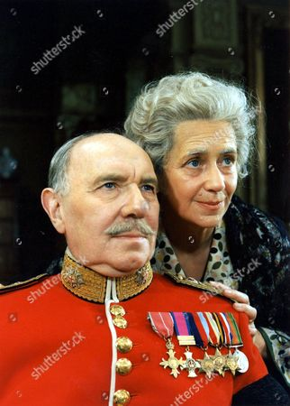 RALPH RICHARDSON AND PEGGY ASHCROFT IN THE PLAY 'LLOYD GEORGE KNEW MY FATHER'