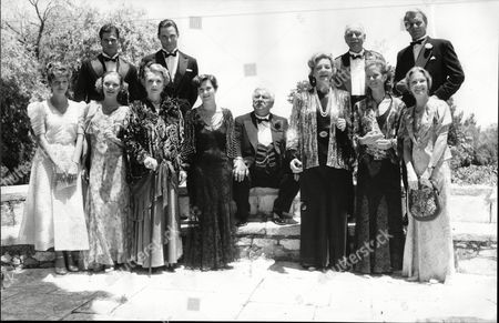 Film: Appointment With Death (agatha Christie). Stars Of L-r Back Row: John Terlesky Nicholas Guest Peter Ustinov Sir John Gielgud David Soul. Front Row L-r: Amber Bezer Valerie Richards Piper Laurie Carrie Fisher Lauren Bacall Jenny Seagrove Hayley Mills.