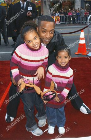 MIGUEL A NUNEZ AND DAUGHTERS MIA AND NICOLE