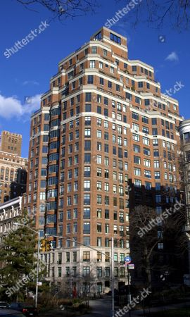 THE BUILDING ON RIVERSIDE DRIVE WHERE CHRIS MELONI AND HIS WIFE SHERMAN WILLIAMS BOUGHT A PENTHOUSE FOR 2.1 MILLION DOLLARS