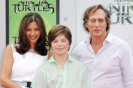 William Fichtner with wife Kymberly Kalil and son Van