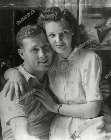 Private Gordon Linsell And Fiancee Sheila Johnson. Private Linsell Was Sentenced To Death For Shooting A German Policeman But Later Reprieved.