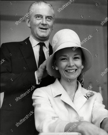 Mrs Charles Parnell Formerly Sheila (shelagh) Wilson Fashion Model With Otto Lucas.