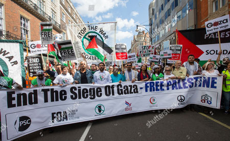 Tariq Ali and fellow protesters demonstrate against 'The Seige of Gaza'