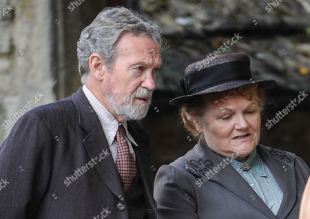 Paul Copley (Mr Mason), Lesley Nicol (Mrs Patmore)